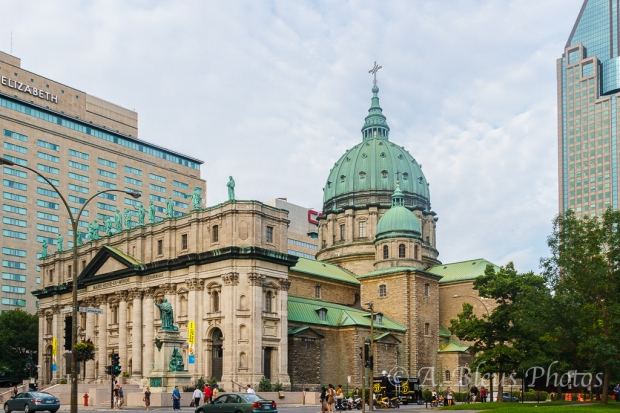 Basilique Marie-Reine-du-Monde, Cathedrale,  Montreal