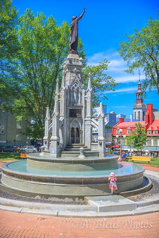 Monument de la Foi,Old Québec City Place d'Armes, Canada