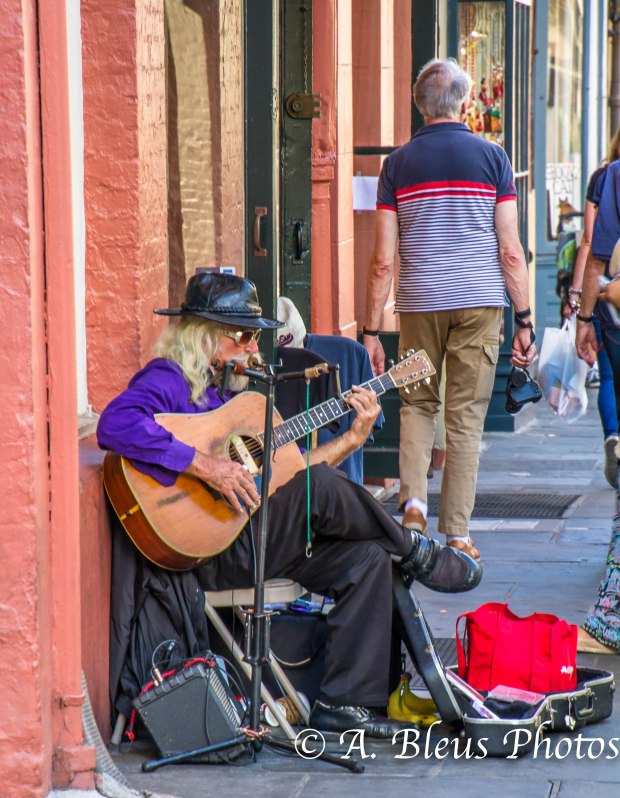 Sidewalk musician, New Orleans, Louisiana, MG_9704