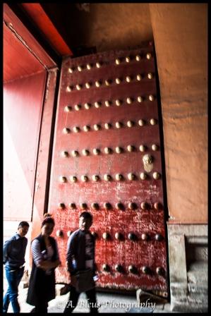 Mausoleum of Mao Zedong, Big wooden door entrance-2