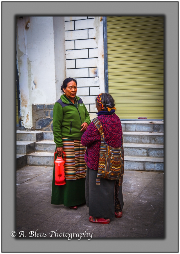 two-tibetan-women-lhasa-tibet-mg_3653