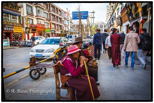 street-scene-lhasa-tibet-mg_3656