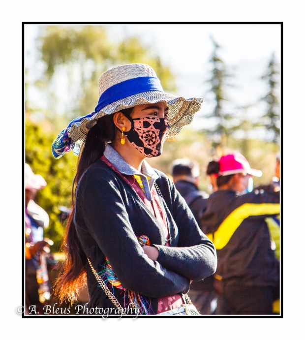 young-woman-with-hat-and-pollution-mask-lhasa-mg_3696