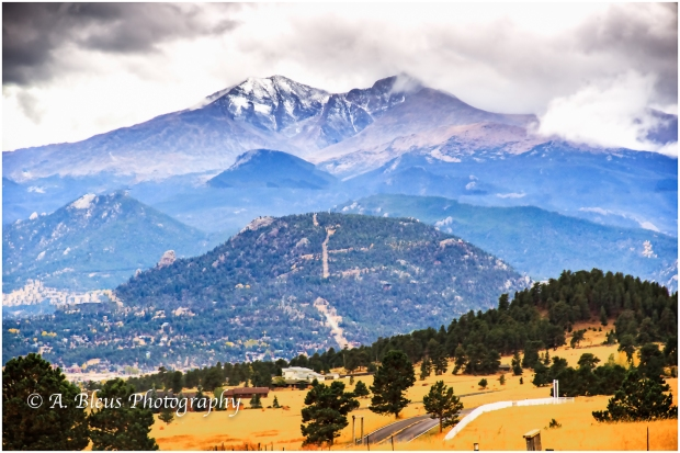 snow-capped-rocky-mountains-colorado_93e1905
