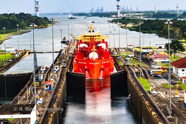 gates-opening-panama-canal-mg_5882