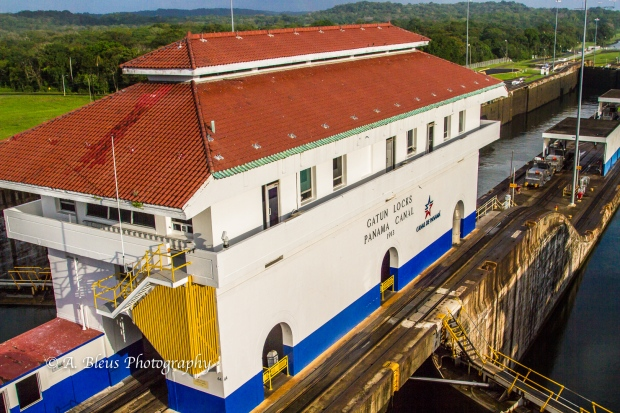 gatun-locks-building-panama-canal-mg_5868