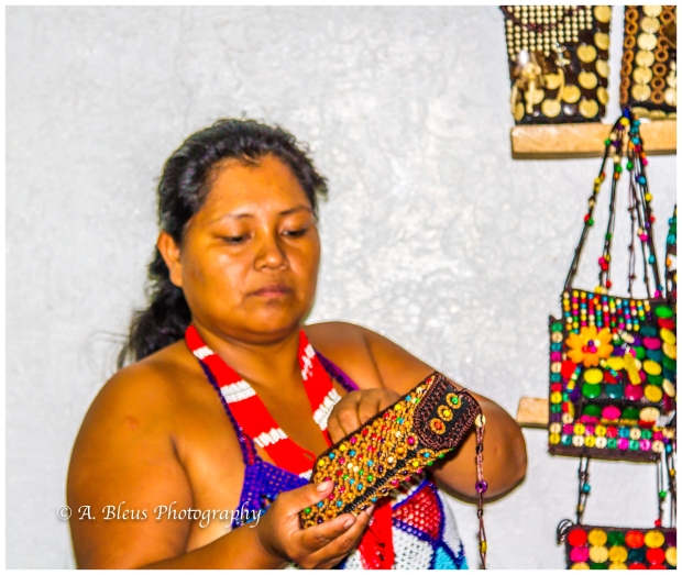 indigenous-embera-woman-colon-panama-mg_6034-2