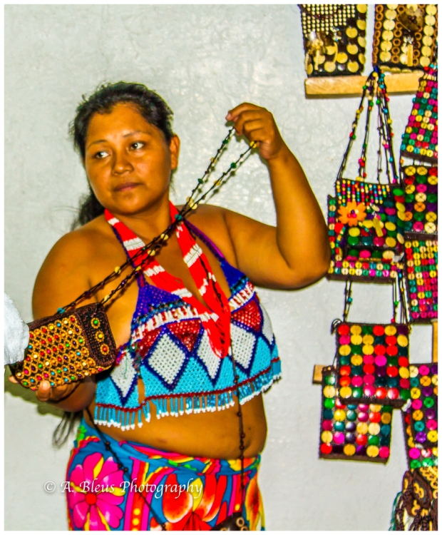 indigenous-embera-woman-colon-panama-mg_6034-3