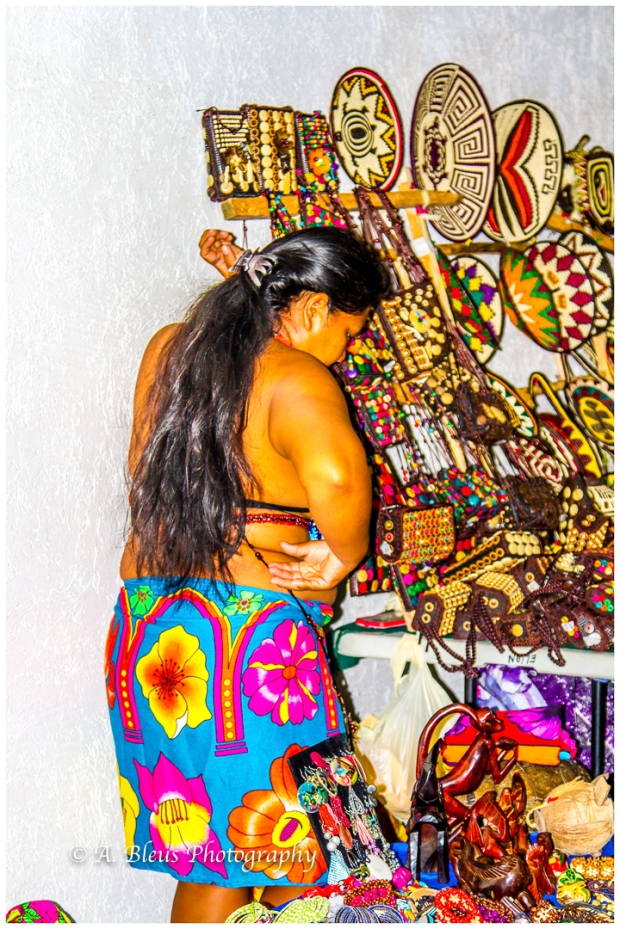 indigenous-embera-woman-colon-panama-mg_6034-4
