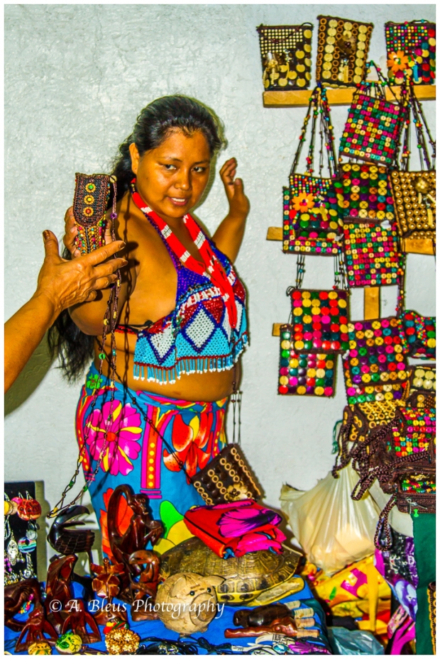 indigenous-embera-woman-colon-panama-mg_6034