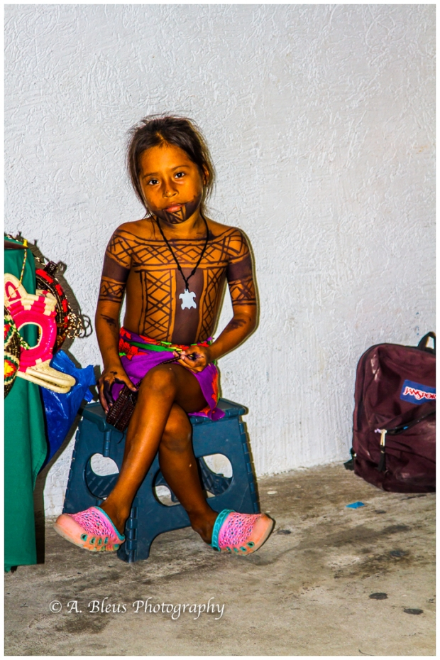 indigenous-embera-young-girl-colon-mg_6032