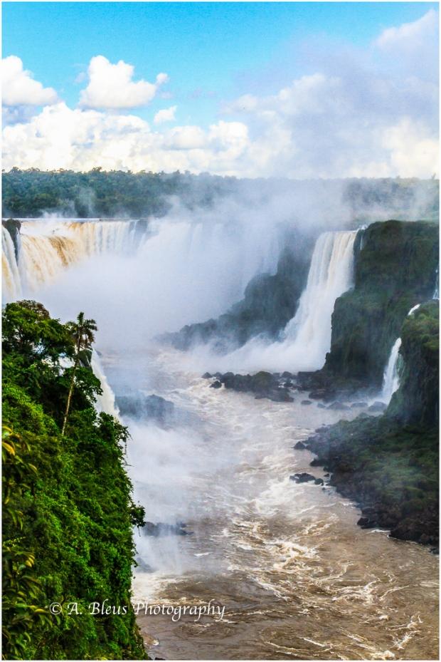 Iguazu Falls Brazilian Side from Devil's Throat, MG_9457