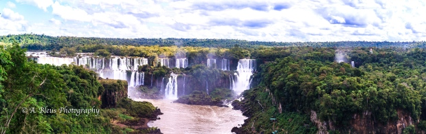 Panoramic view Iguazu Falls, Brazilian side MG_9372