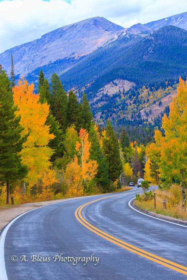 Majestic Rocky Mountains Nat. Park, Colorado -93E2143-2