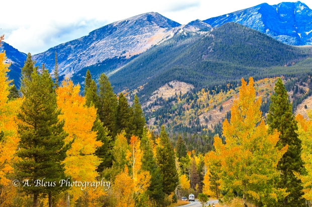 Majestic Rocky Mountains Nat. Park, Colorado -93E2143-3